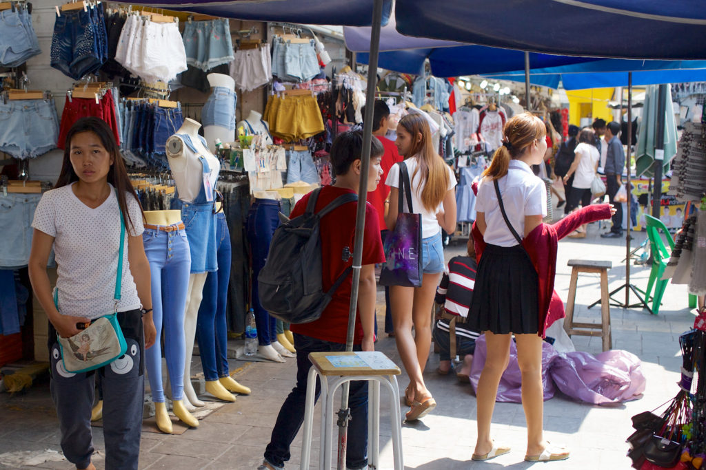 Cheap_Clothes_Market