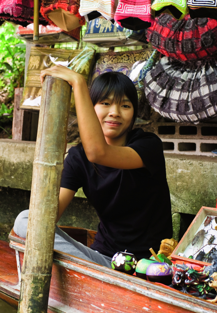 Floating_Market_Girl-1600