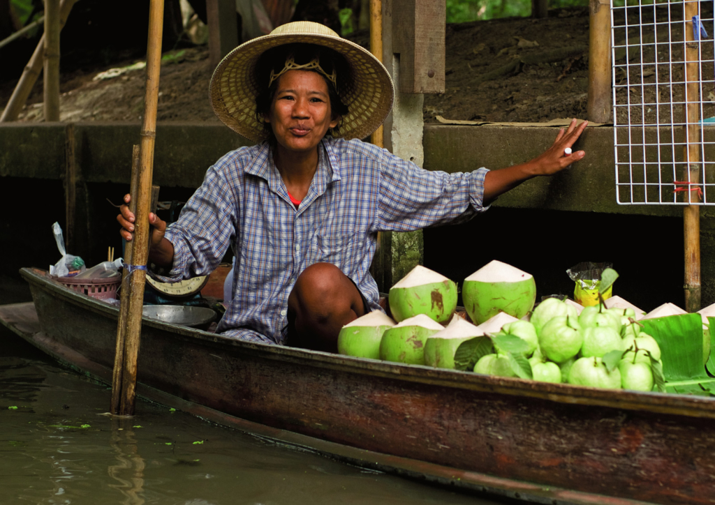 Floating_Market_Woman--1-1600